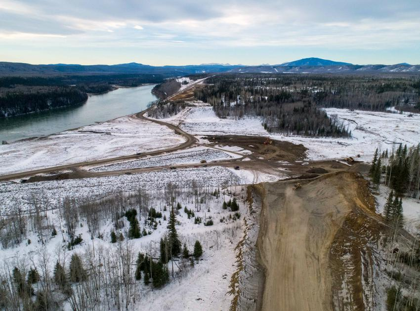 Grading work is underway on the Lynx Creek west segment of the Highway 29 realignment. This segment covers 8 kilometres of highway and includes a new bridge, causeway and embankment. (December 2020)