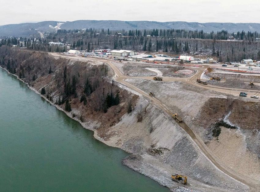 The construction of a 2.6-kilometre-long berm to protect the shoreline of Hudson's Hope is underway. (December 2020)