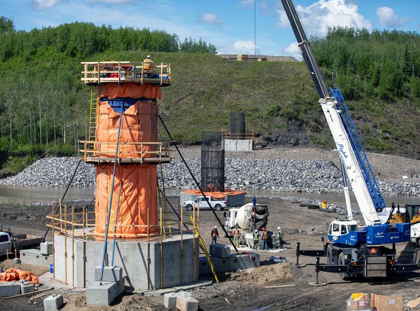 Crews prepare to pour concrete at Cache Creek bridge pier number five. (June 2021)