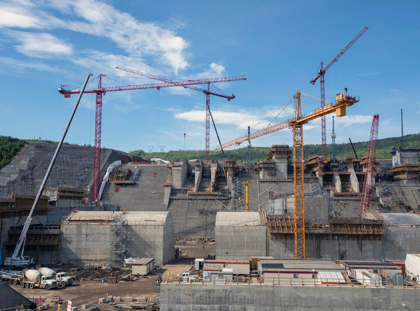 Work at the spillway gate structures and spill basin weirs is ongoing. (June 2021)