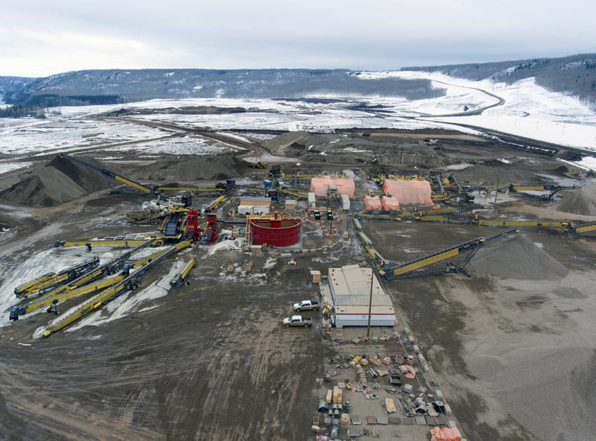 Aerial view of the crushing plant and stockpiles on the south bank (March 2018)
