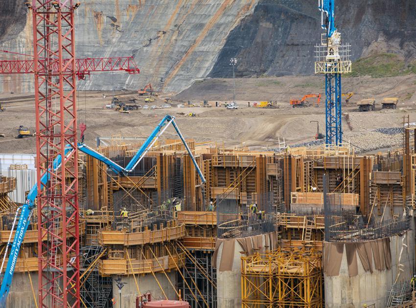 Spillway headworks underway.  (August 2021)