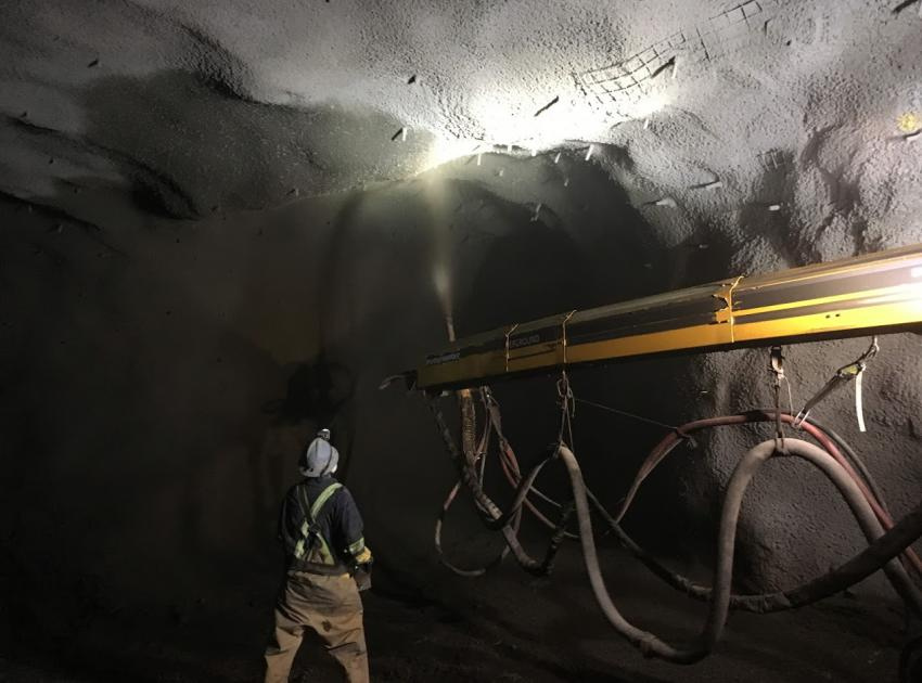 Shotcrete application in the south bank drainage tunnel (August 2018)