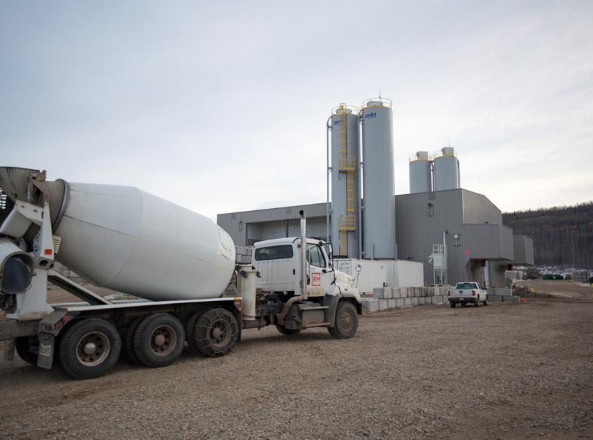 Concrete truck at one of the on-site concrete batch plants on the south bank (December 2018)