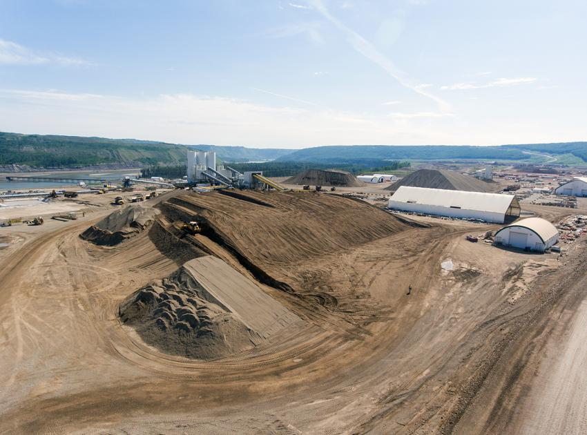 South bank batch plant and aggregate material storage (June 2018)
