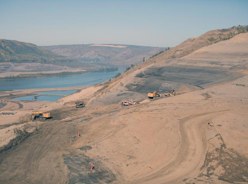 Ongoing excavation on the north bank, facing southwest towards the Moberly River. (September 2017)