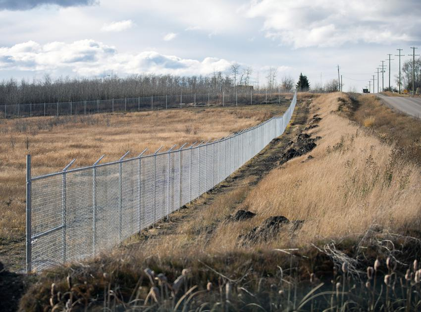 Security fencing at 85th Avenue. (October 2017)