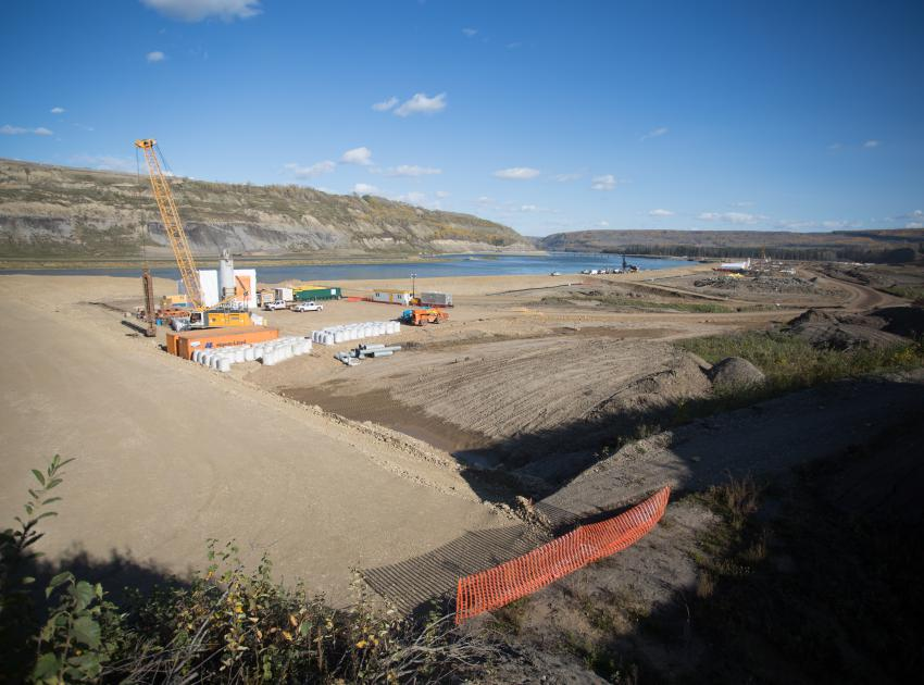 Work continues to build the south bank cofferdam. (September 2016)