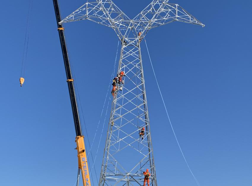 In late February, we stood up the first of 405 towers that will support two new 500kV transmission lines running west from Site C. These 75km-long lines will connect Site C power to the rest of BC Hydro's grid. (February 2019)